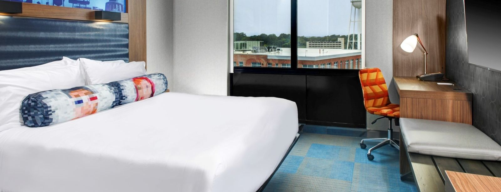 Durham Accommodations - Aloft King Room
